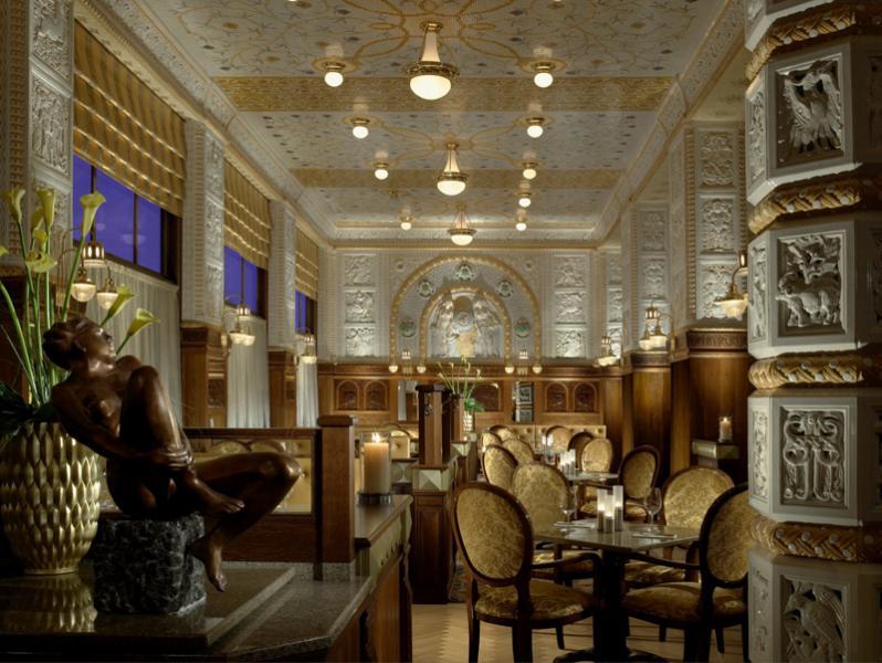 HOTEL IMPERIAL ***** – Generální dodávka interiérů veškerých hotelových prostor zahrnující nábytkové vybavení vč. sedacího nábytku, koberce, tapety, textilie, osvětlení, zařizovací předměty koupelen a WC
