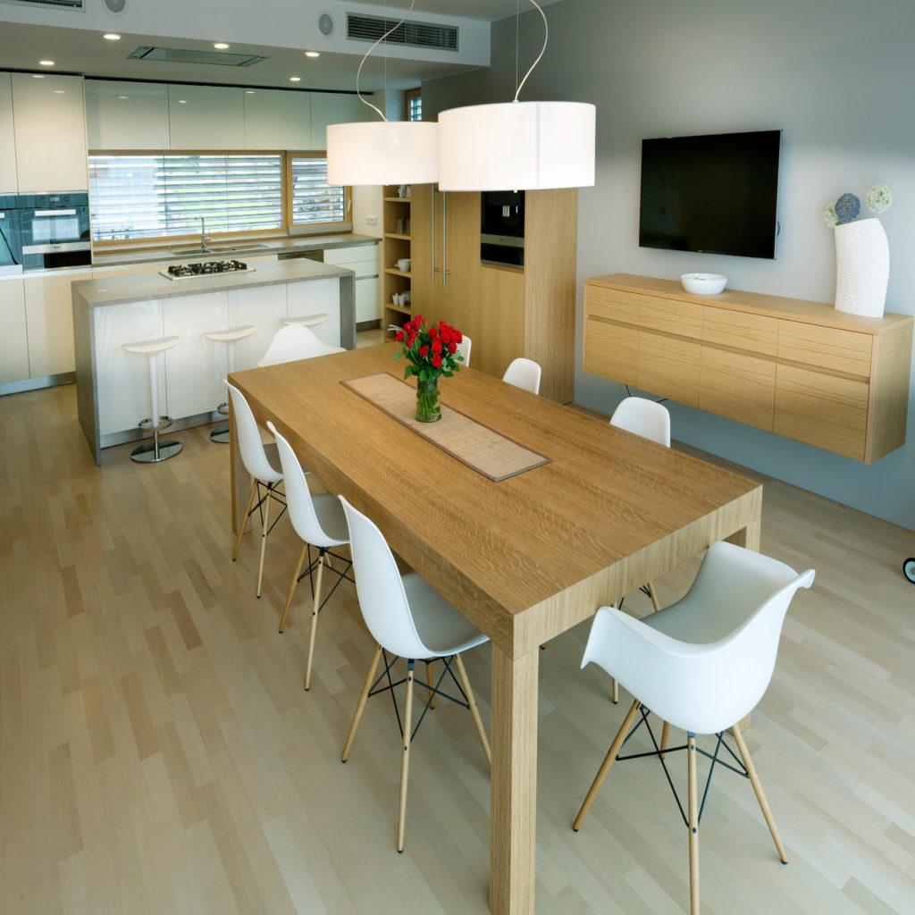 Výběr fotografií rodinných domů a bytů